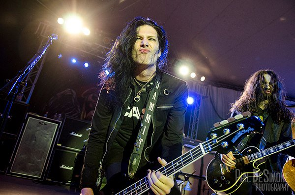 Eh @ToddDammitKerns posted teaser clips of our chat, if you wanna let your fans know: https://t.co/kleDREbK6g https://t.co/Jf2kjDYYc7