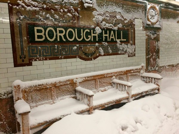 It's snowing inside Borough Hall station https://t.co/sFtN0w3440 https://t.co/hqfgZ3DjQJ