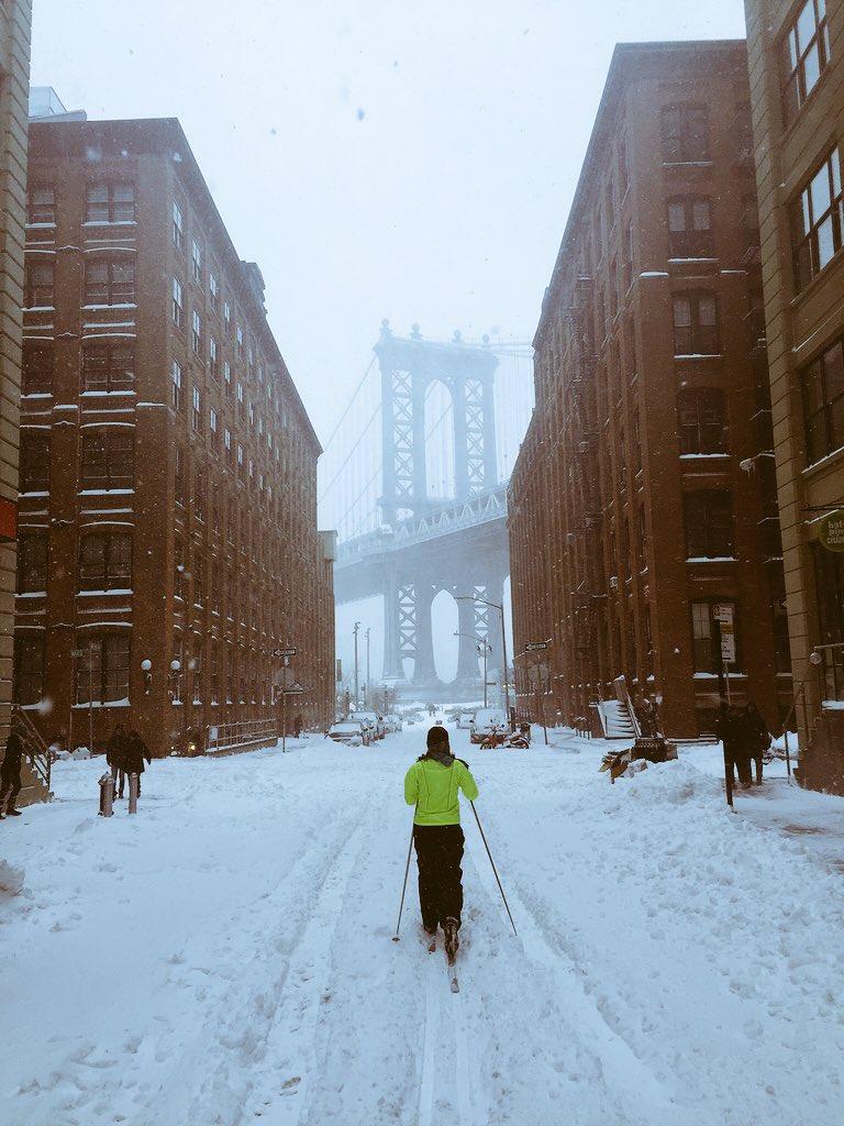 @NY1TheCall @NY1 The skiing is good in Brooklyn!  #NY1Snow https://t.co/H7qsmvRGwz