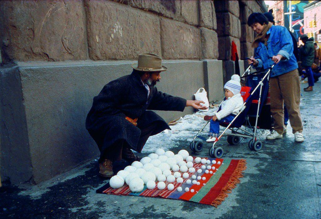 Bliz-aard Ball Sale (1983) #DavidHammons @radicalpresenceny https://t.co/HjfpRyiuip