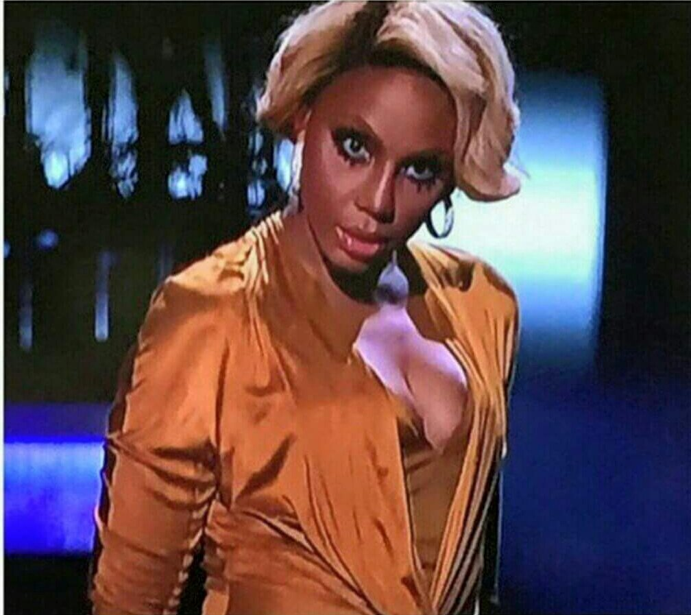 Wow looking at Miss Evelyn like  #ToniBraxtonMovie https://t.co/1dHYCyf4Nc