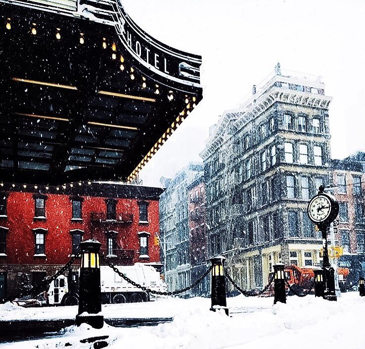 Venture out into #StormJonas and head to The Roxy! Live music, amazing drinks, and cozy company. #NYC #Tribeca