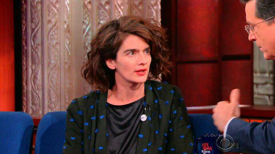 Gaby Hoffmann from Transparent Endorsed Bernie Sanders on The Late Show With Stephen Colbert #FeelTheBern https://t.co/Xl3T8OQ6Vc
