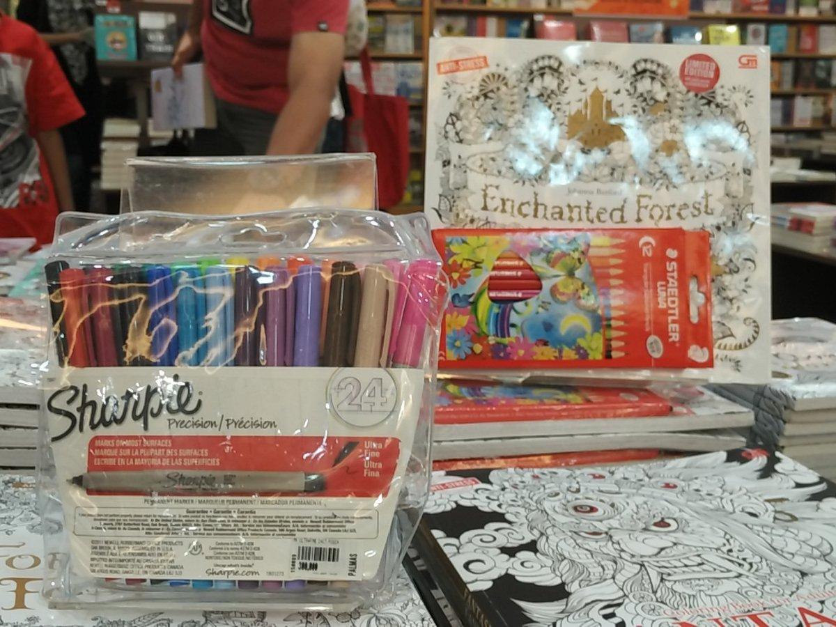 Gramedia Solo Square On Twitter Pilih Alat Mewarnaimu Untuk Coloring Book For Adult Kalian GramedsBisa Pake Pencil Color Atau Sharpie