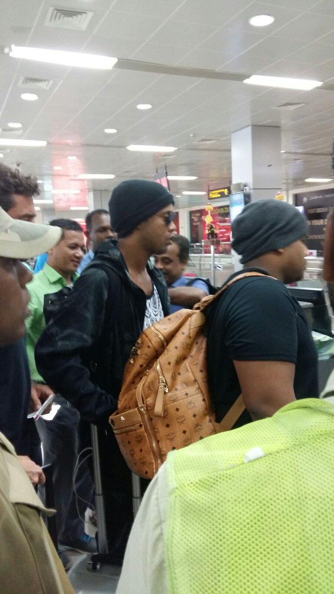 Ronaldinho has arrived in #Kozhikode. Will launch @NagjeeCup today - #Kerala #Football #Indianfootball https://t.co/lLe9Plzu0t