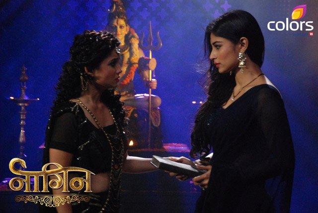 Shivanya-Sesha in Naagin Image - Mouni Roy and Adaa Khan in Naagin serial on Colors picture