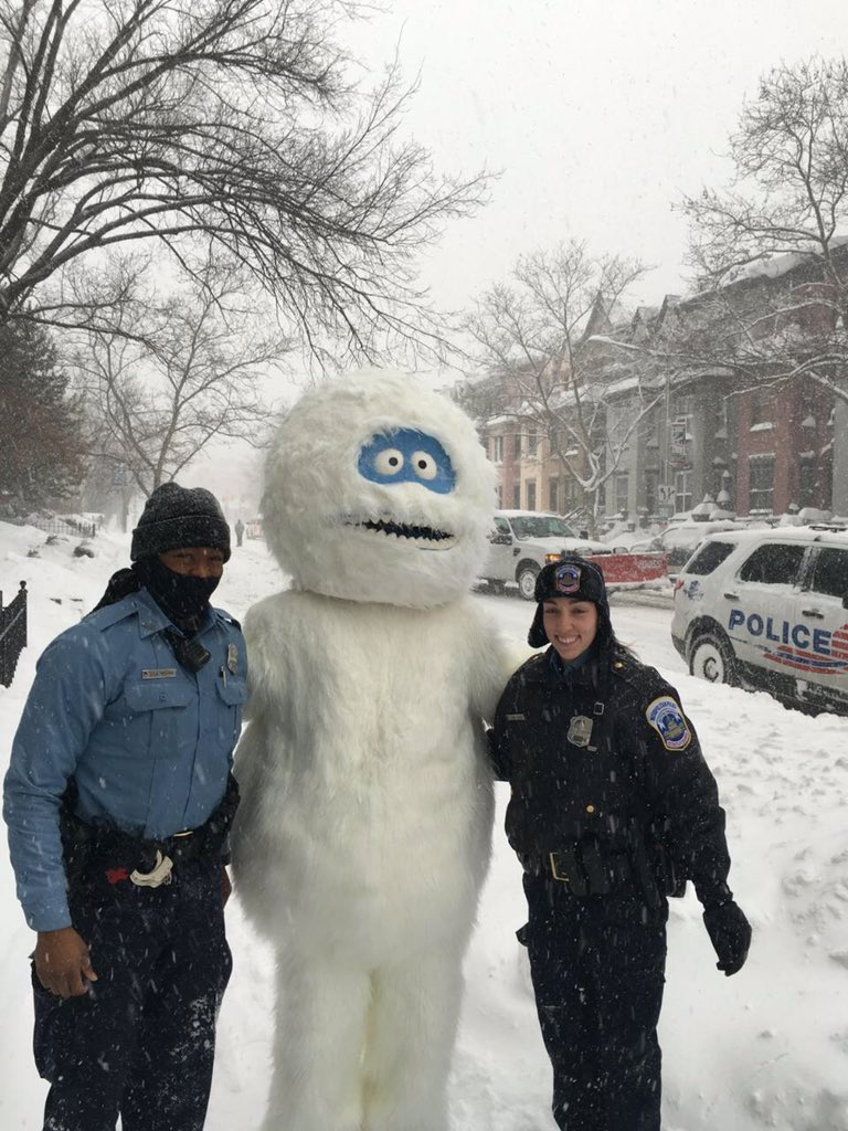 We haven't received any reports @NationalZoo for escapees but officers located this wild creature #adominableforce https://t.co/ys7unOh3Yv