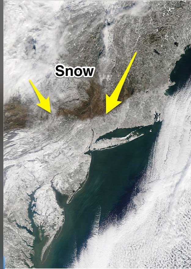 Incredible MODIS visible satellite image of #blizzard2016. Notice the sharp snowfall cut-off. @WGRZ https://t.co/BInvW5ZCSE