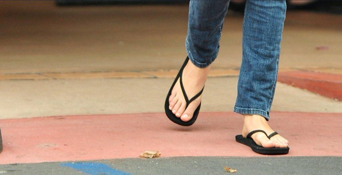 Kunis feet mila Mila Kunis