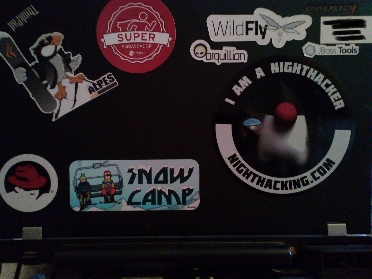 laptop stickers powaaaa #snwocamp2016 https://t.co/2yjgFHSgRc