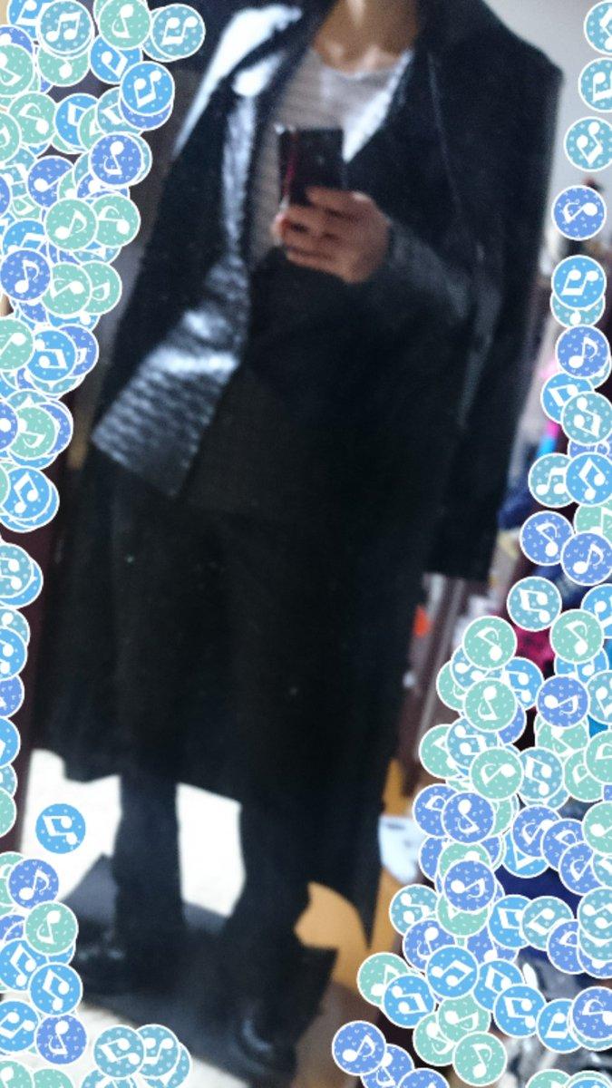 コートとジャケット完成した!この後肩パット仕込んだり補正したけど。シャツはこれからー! ってか、脚みじけぇよ!!!!!泣いた…………………………