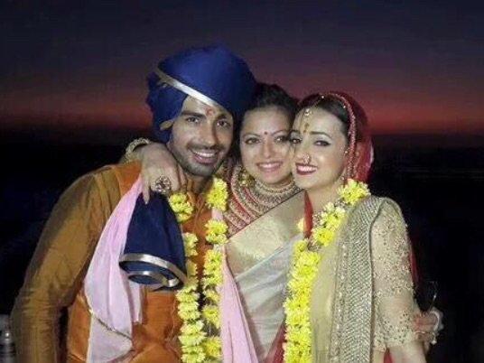 Best Friend Drashti Dhami with newly wed couple Sanaya Irani-Mohit Sehgal - image/picture/photo