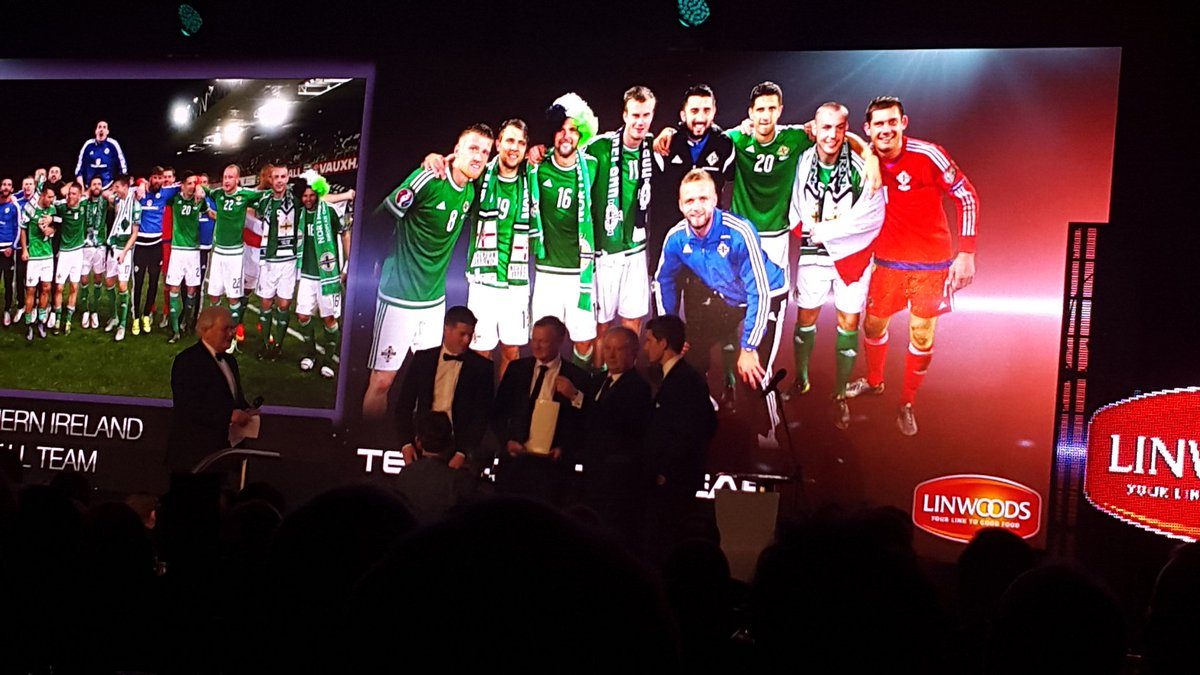 Huge congrats to @OfficialIrishFA winning TeamOfTheYear @BelTelSportsDes Awards #Linwoods #GAWA https://t.co/JLXZWZM2Uw