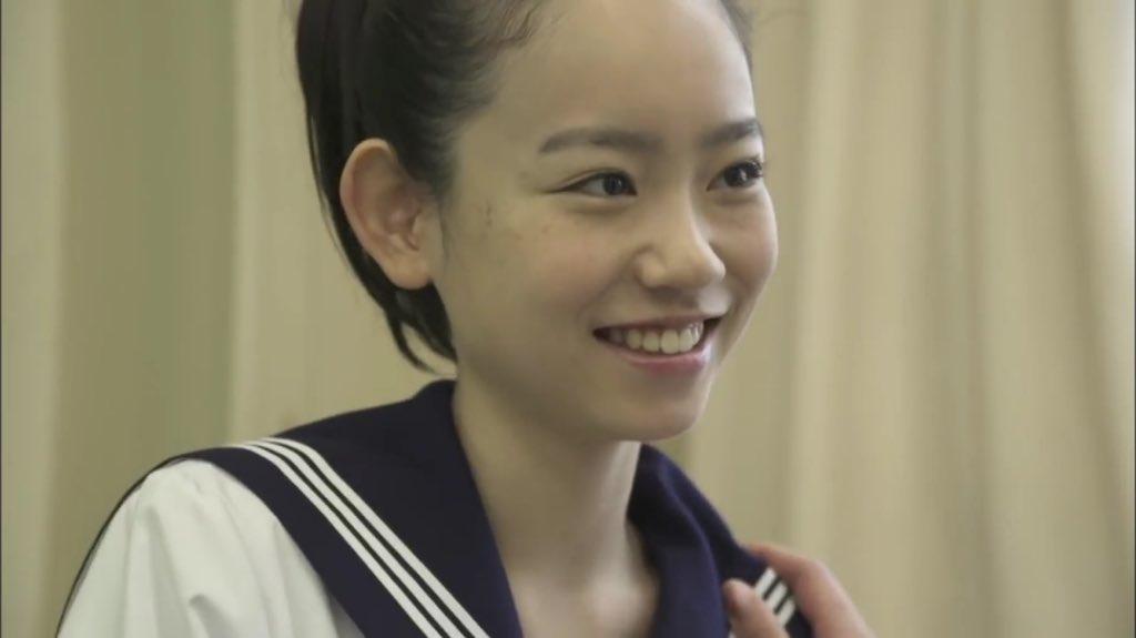柴田杏花アップヘア