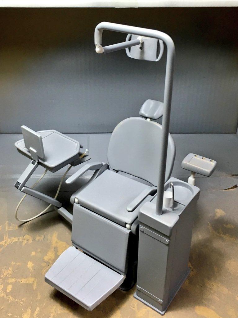 オリジナル作品用のフル可動歯科ユニット。ワンフェス展示に向けて製作中です。 pic.twitter.com/uM5I6knqWR