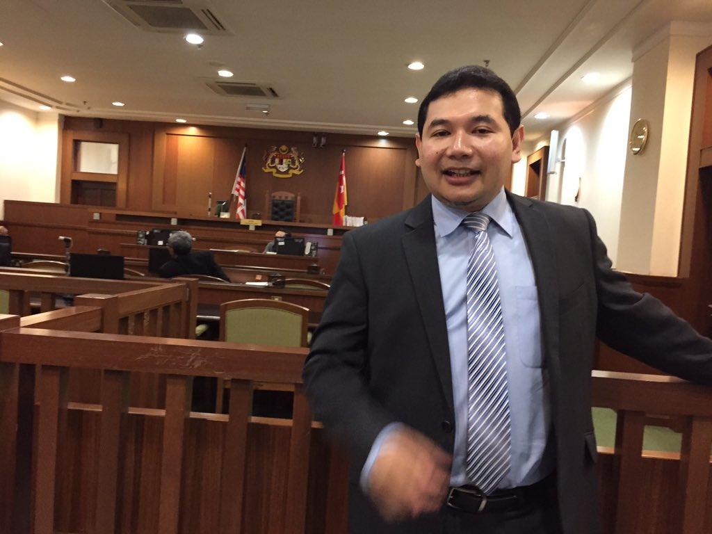 @rafiziramli akan dihukum krn Menghina UMNO. Jika dipenjara 2 thn, hilang Kerusi MP. #Pray4Rafizi #RakyatHakimNegara https://t.co/hGm9uGYjEK