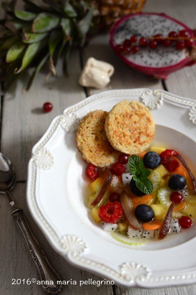 Zuppa di frutta e verdura all'acqua di pomodoro con roccia di nocciola e vaniglia per #Mtc53 https://t.co/PIVS408wxe https://t.co/UhqCxyTFbY