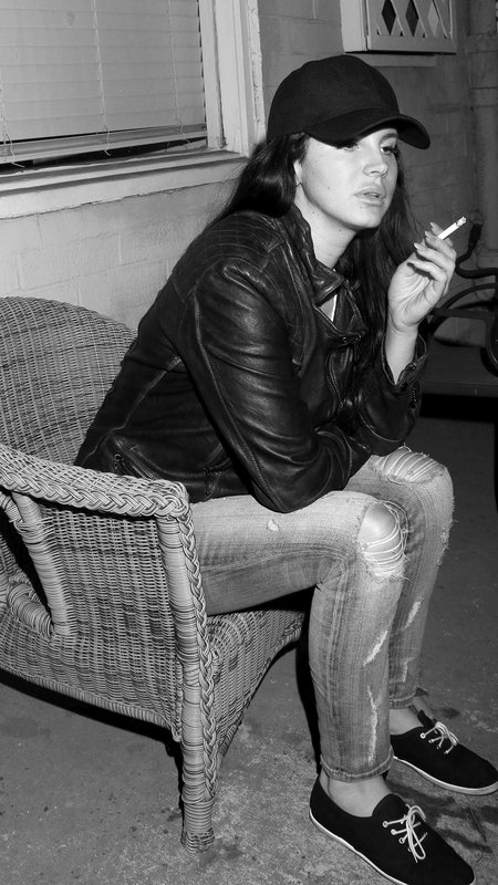 Mobile Wallpapers On Twitter Lana Del Rey Smoking Https T Co