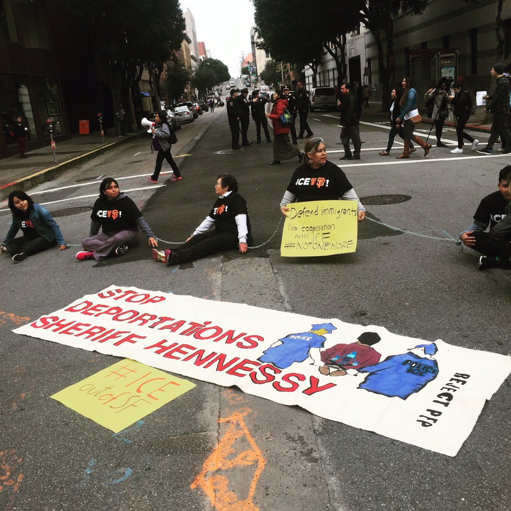 Blocking Washington & Sansome in front of #ICE @CIYJA #ICEoutOfSF #StopTheRaids #Relief4Refugees #Not1More https://t.co/m5hjrbRmPK