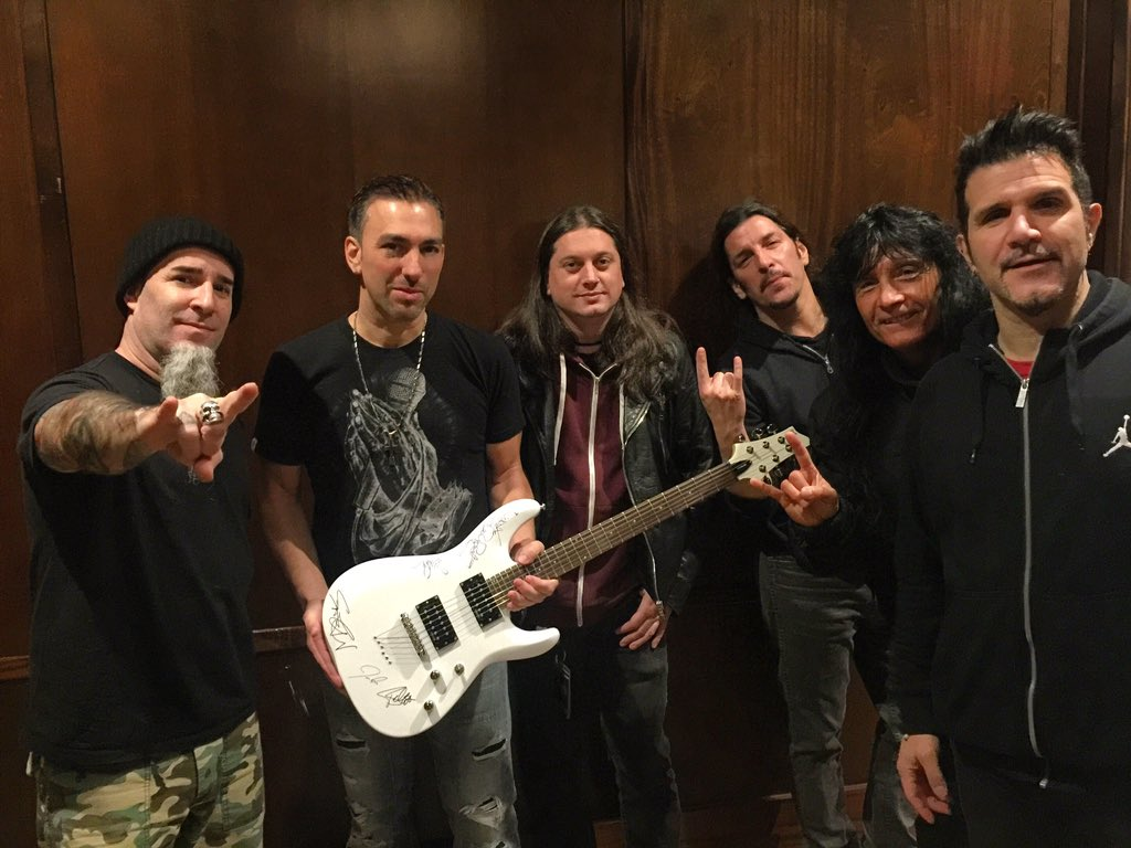 TY @TheFrankBello & @Anthrax 4 supporting Traveling Guitar Foundation, Music Education & the kids! @travelingguitar https://t.co/S5sO5lE1Oj
