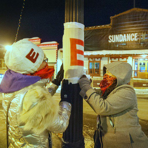 @jimmybeanswool is at @sundancefest #yarnbombing to promote the new film 'Eddie the Eagle'. #IKnitForEddie https://t.co/96PlDFwB6J