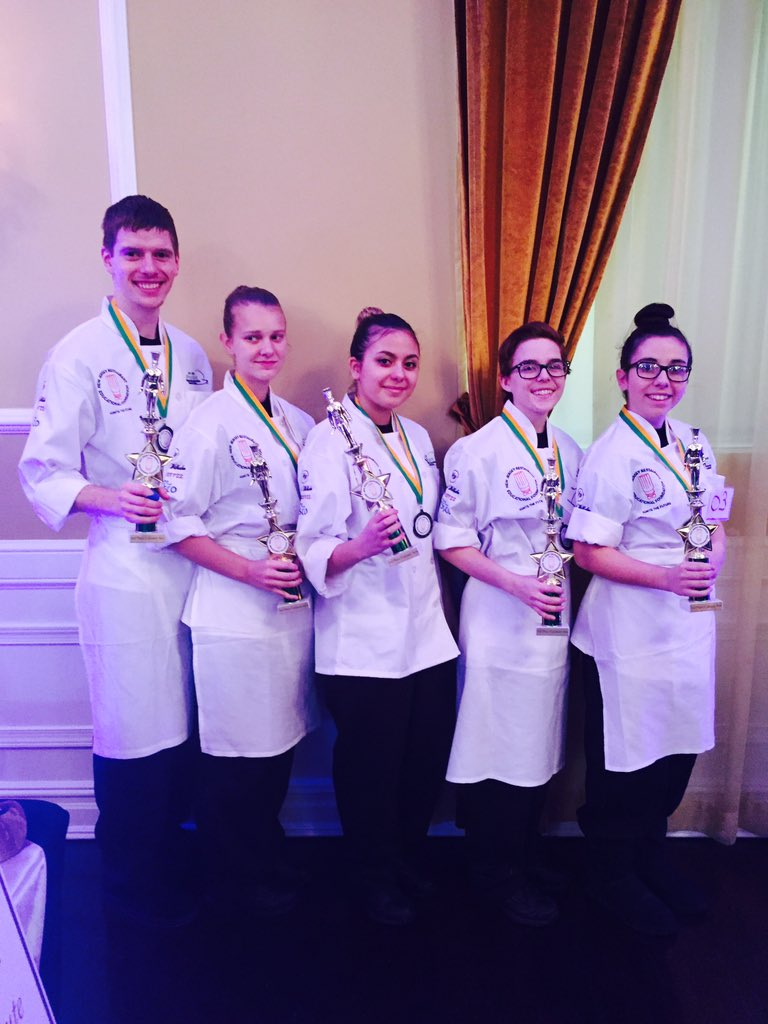 @SCTSMustangs here are our fantastic Culinary team 3rd place winners at @NJRestaurantEd Congratulations Sussex Tech https://t.co/LbRKOnKglv