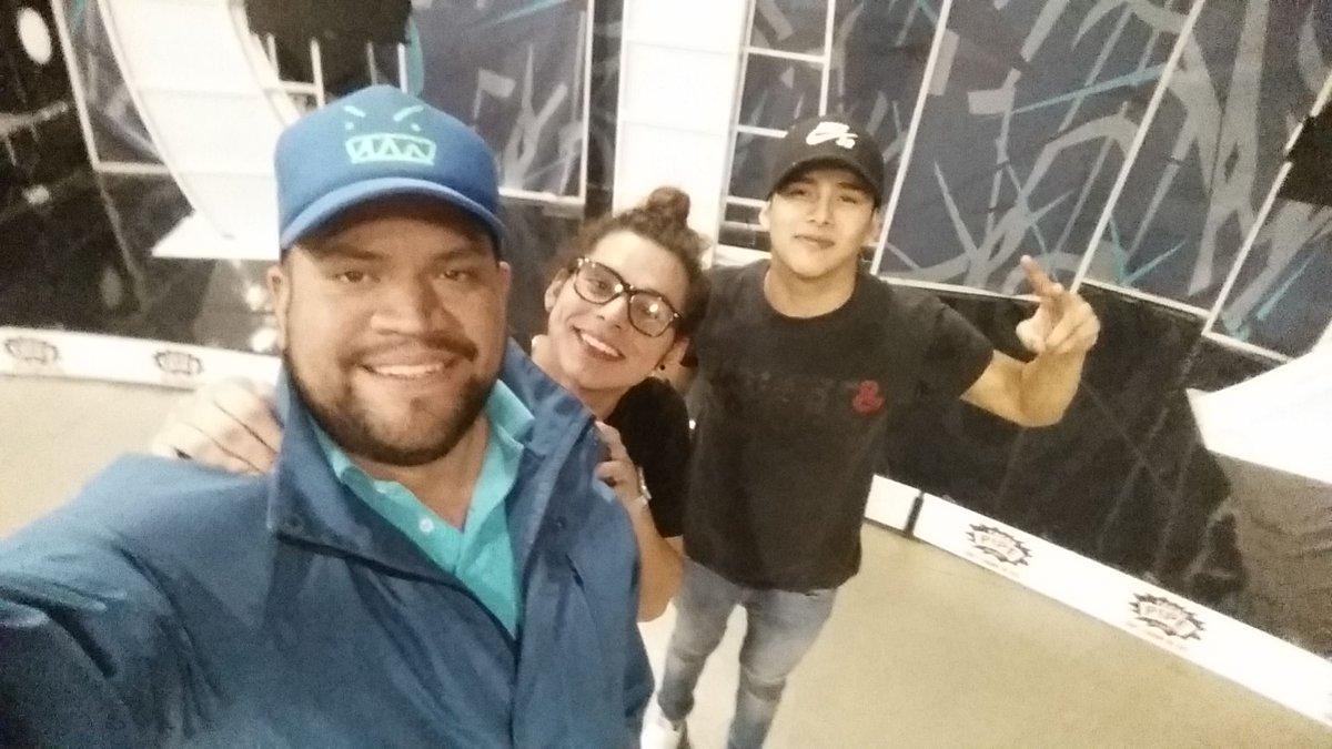 Con 2 genios del baile @luisramirezbboy y @brandon_meza https://t.co/hfSAhA7tTO
