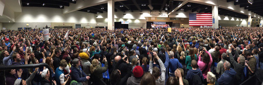 Estimated 20,000 turn out for @BernieSanders campaign rally in St Paul, MN. https://t.co/5HyOYgRVjn