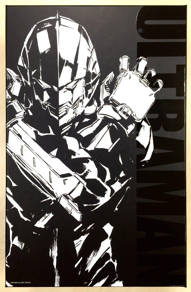 パッケージデザイン公開!清水栄一氏が本商品の為だけに描き下ろしたイラストになります。スベスベな質感のマットブラックの化粧箱にツヤのULTRAMANロゴのコントラスト。間も無く皆様のお手元に…! #限値練 #ULTRAMAN