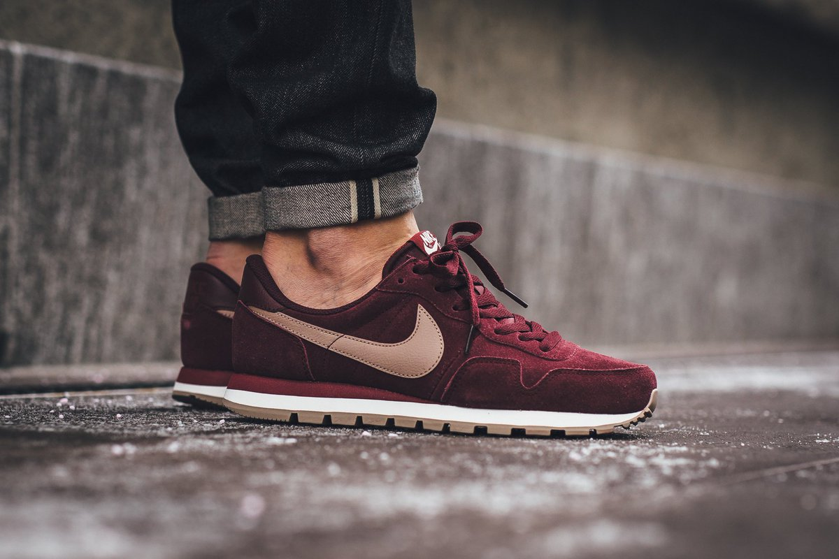 hot sales 0d7b6 508cb Nike Air Pegasus 83 Leather - Night Maroon Malt SHOP HERE   http   bit.ly 1Uoi3KM pic.twitter.com 9ekqpWLVrd