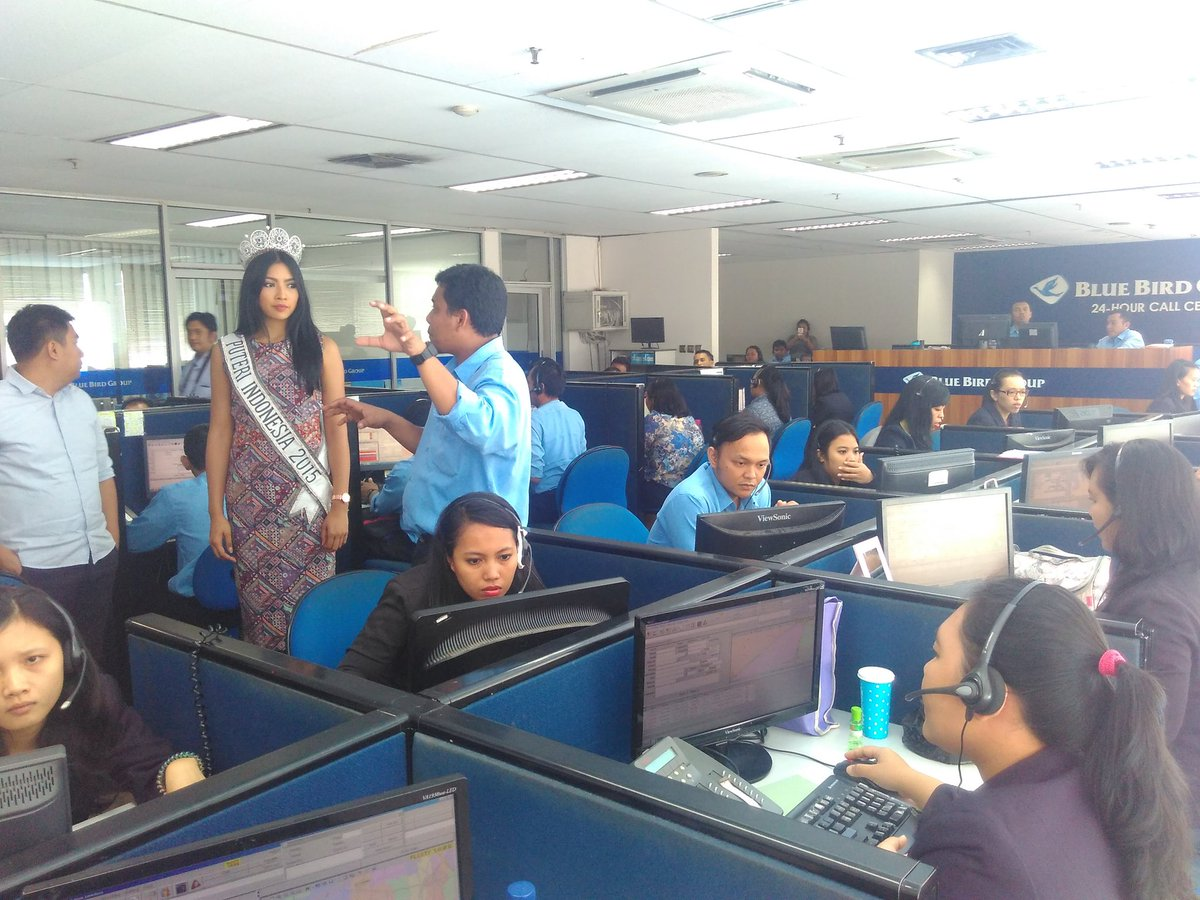 Bluebird Group On Twitter Putri Indonesia 2015 Anindyakputri Berkunjung Ke Blue Bird Group 24 Hours Call Center Https T Co Lblh47zxuk