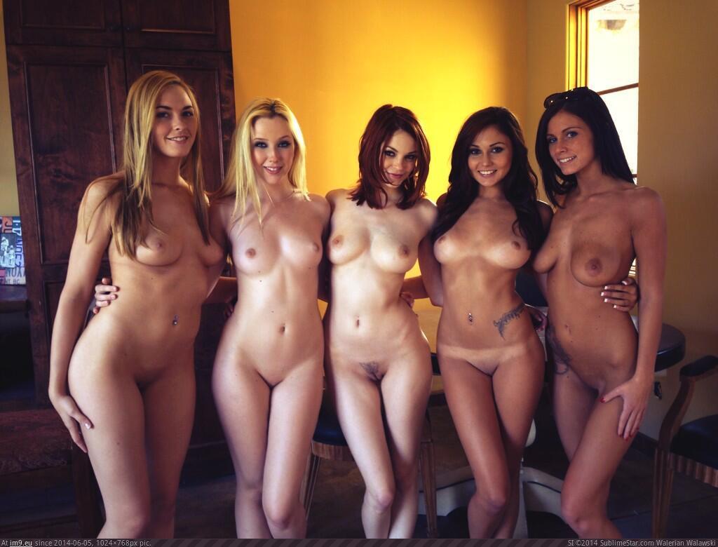 Смотреть фотки голых девушек 71623 фотография