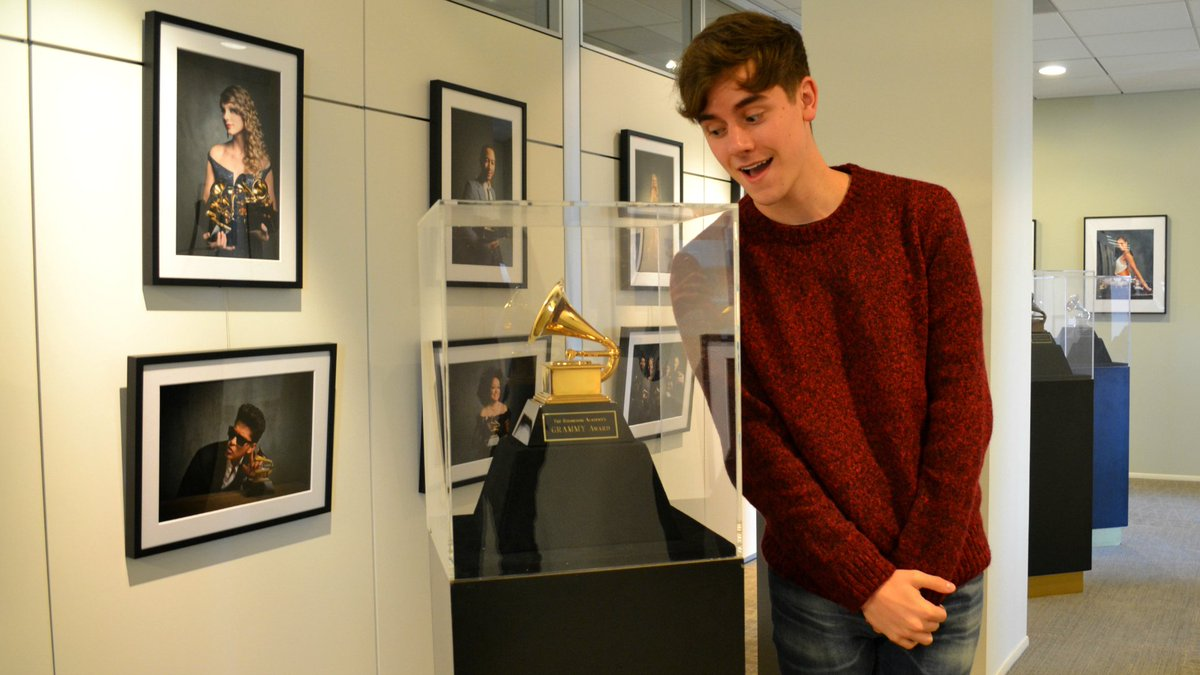 #GRAMMYs news: YouTuber @ConnorFranta is Recording Academy's newest member. What that means ►https://t.co/HXIgI2KnpX https://t.co/tHkuJH7GPA