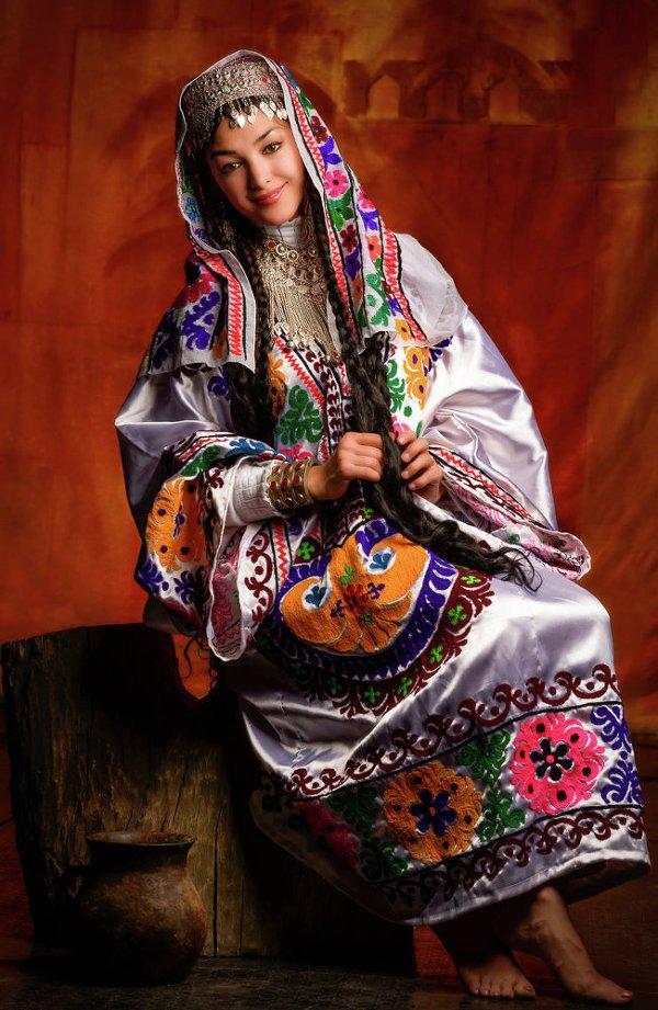 Женская таджикская национальная одежда фото