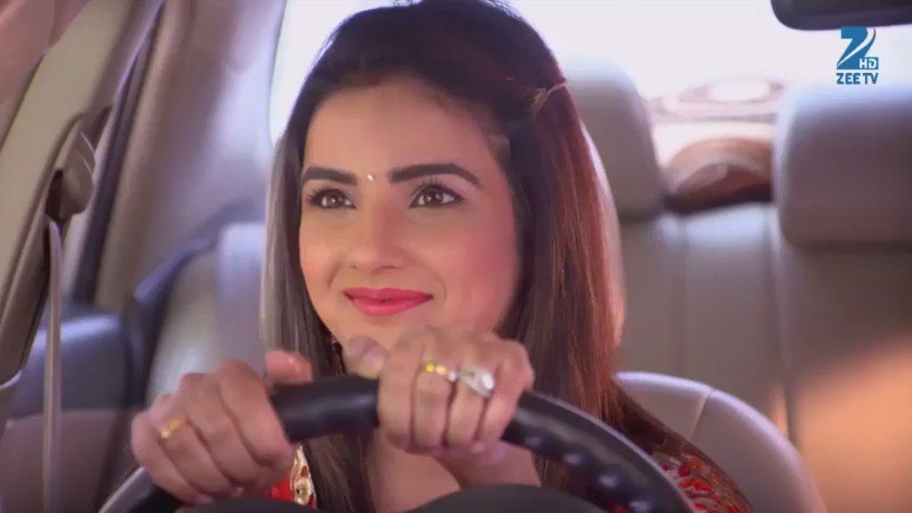 Jasmin Bhasin as Twinkle in Tashan E Ishq Picture-Image