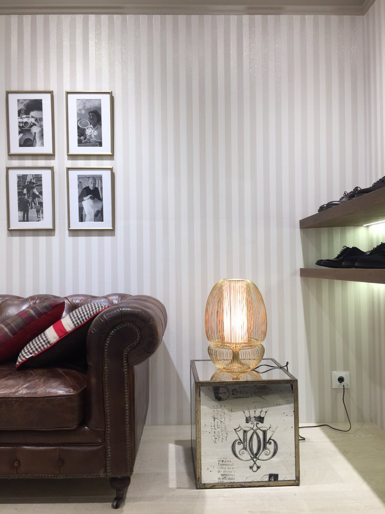 Tela parece, cerámica es!! #revestimiento #SpigaTopo @porcelanosa_grupo #PorcelanosaExperience 👌🏻 #decoraddiction https://t.co/LHFdTsyZOK