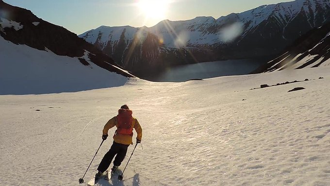 Ricardo Montoro acaba de llegar de esquiar ⛷️ en ISLANDIA 😜. Impresionantes imágenes  🔝🔝🔝➡️https://t.co/mrbMwWbdge