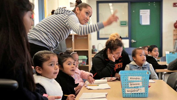 The innovative way one school is engaging parents of English-language learners: https://t.co/6xRIStvrlM. #ellchat https://t.co/mdKWl0iMiS