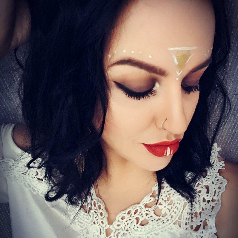 C O A C H E L L A #motd #fotd #tb #coachella #makeup #look #GoodVibes #bohostyle #beauty #blogger #jessiefairtytalepic.twitter.com/FoVPAcpQVD
