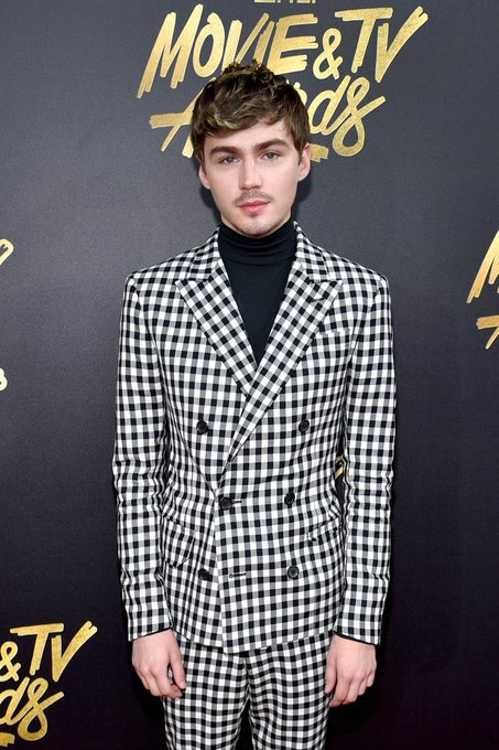 Happy Birthday to the beautiful king of fashion, Miles Heizer.