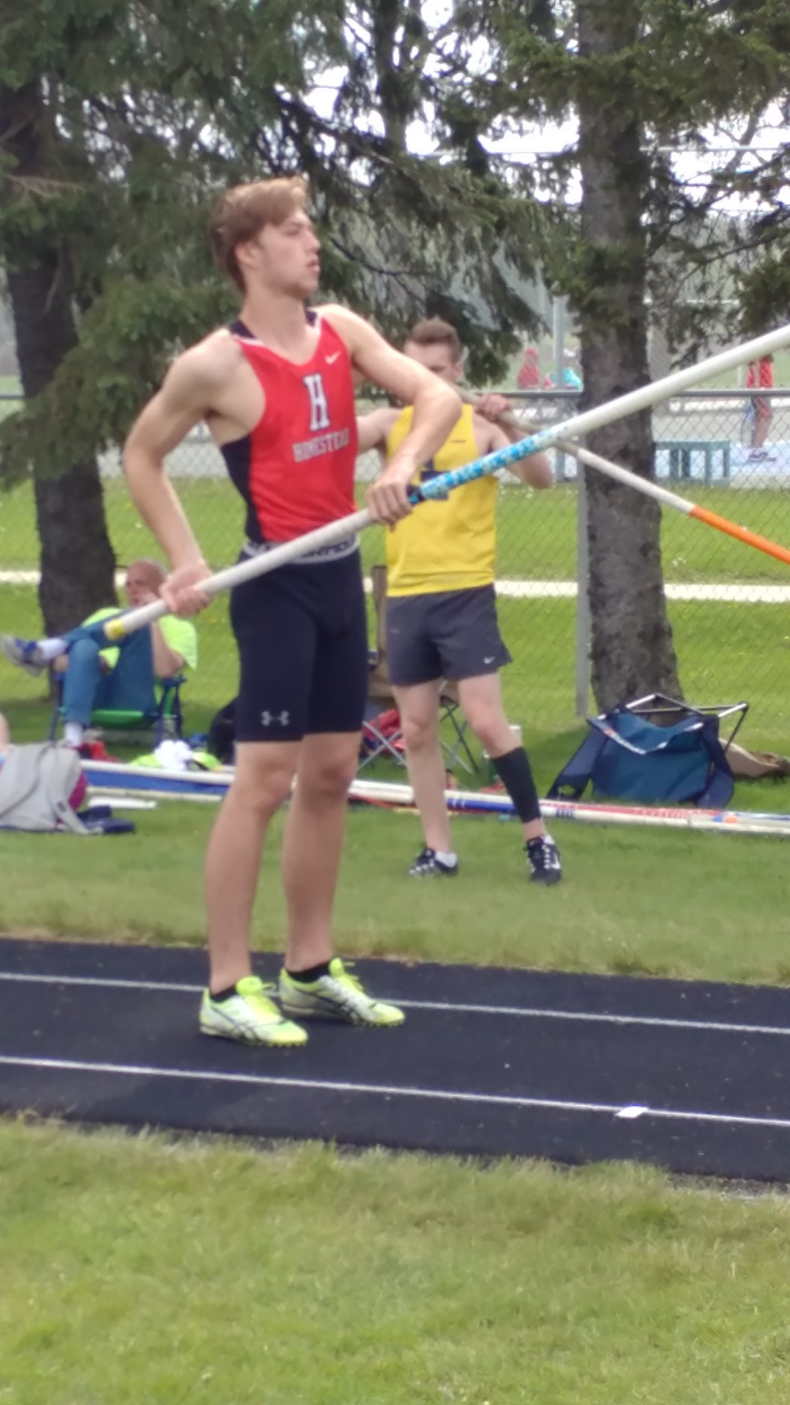 "Senior Jacob Boehlke vaults 12'6"" for 3rd place. NSC Outdoor Champs. https://t.co/TNwEDkZ9oN"