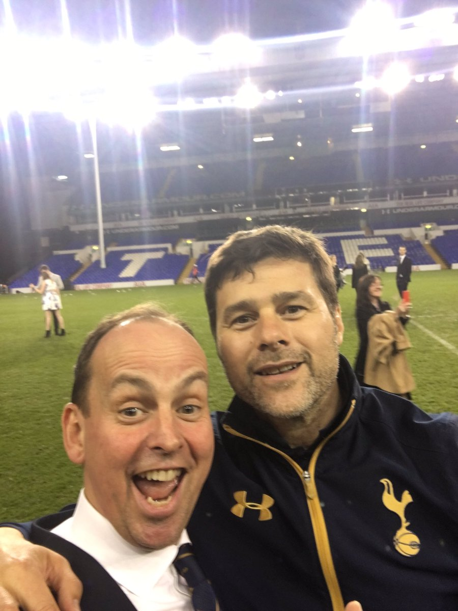 Look who I bumped in to as I said goodbye to the pitch on the way home. #uptheSpurs https://t.co/7dxopddN71
