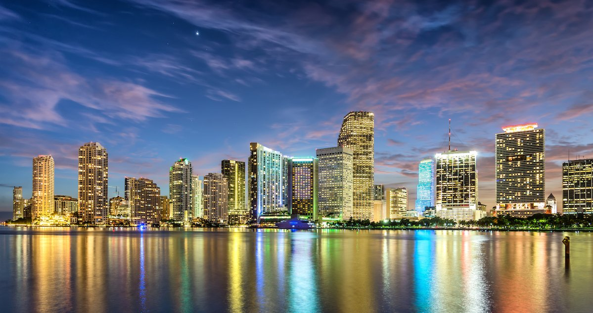 Heading to Miami for business, or play, or a bit of both? Read on for the best #business hotels that will tick boxes https://t.co/9SNTZXi9UH https://t.co/LpJdMDAEDz