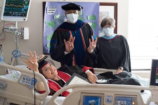 Gabriella had heart transplant, could not come to graduation so graduation came to her in hospital! https://t.co/PKjgtBPSQS