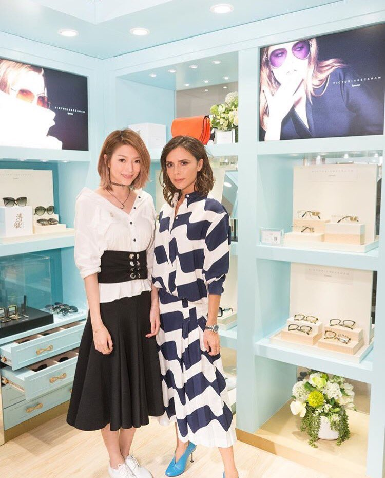 Thank you @Shiga_Lin for coming to my #puyiwardrobe today at Pacific Place! x VB https://t.co/qvU54noons