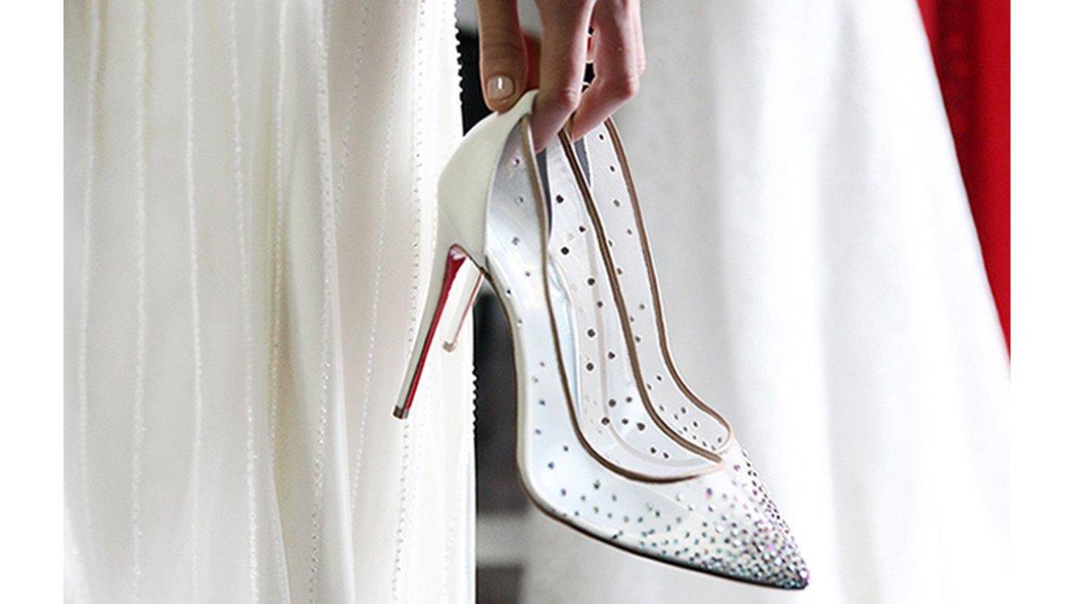 So schön: Die Bridal-Kollektion von @LouboutinWorld https://t.co/QgOkMY70Ax  #wedding https://t.co/vneyK9TsaS
