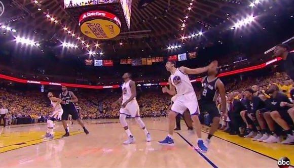 【動圖】九張圖鐵證如山!帕楚里亞犯下的那些「劣跡斑斑」-Haters-黑特籃球NBA新聞影片圖片分享社區