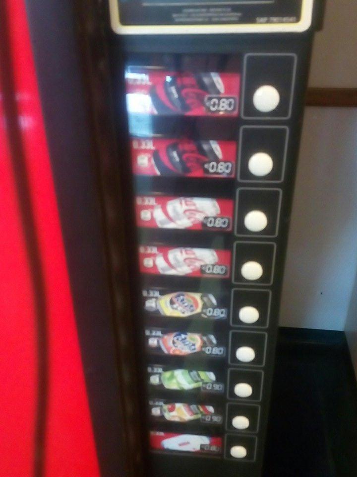 C cool les boissons sont pas chers! #coke #multinationales #lavagedecerveau<br>http://pic.twitter.com/hdZp9okjuu