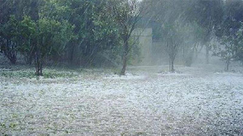 Έκτακτο δελτίο επιδείνωσης καιρού: Βροχή, χαλάζι και πτώση της θερμοκρασίας: Καταιγίδες συνοδεία χαλαζοπτώσεων από… okoursaros.gr/2017/05/15/%ce…
