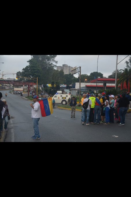 Protest against dictatorship is gathering in Los Teques